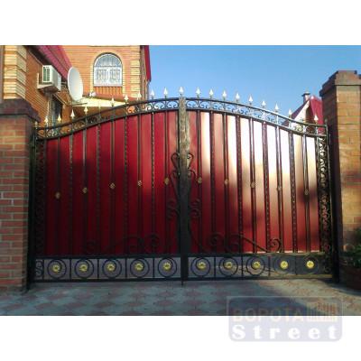 Кованные ворота с профлистом